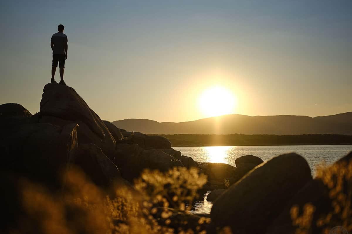 Atardecer desde las playas del Embalse de Valmayor