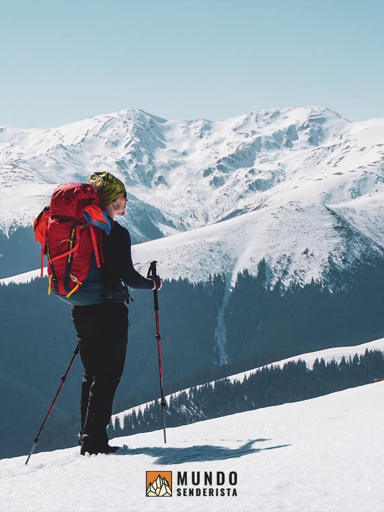 Utilizar las gafas de sol para la montaña en días soleados o con nieve es imprescindible.