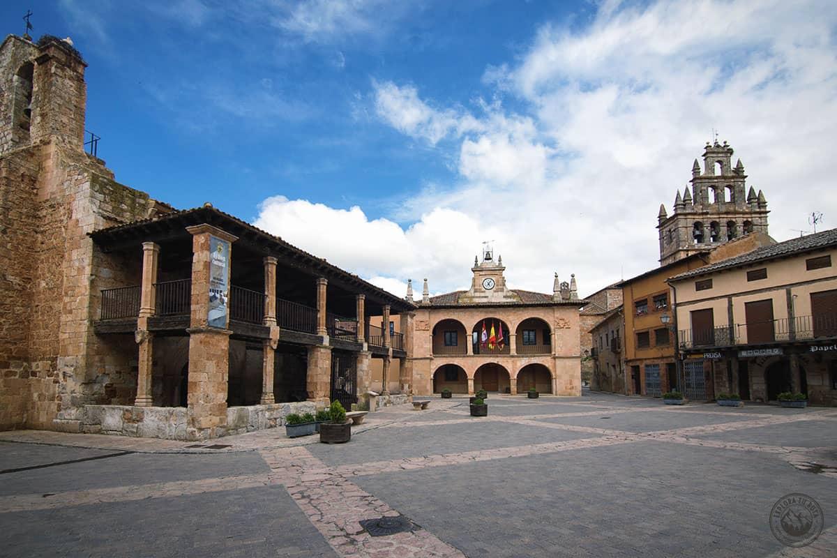 Ayllon es uno de los pueblos de la ruta por las Comarcas de Segovia que no puedes perderte.