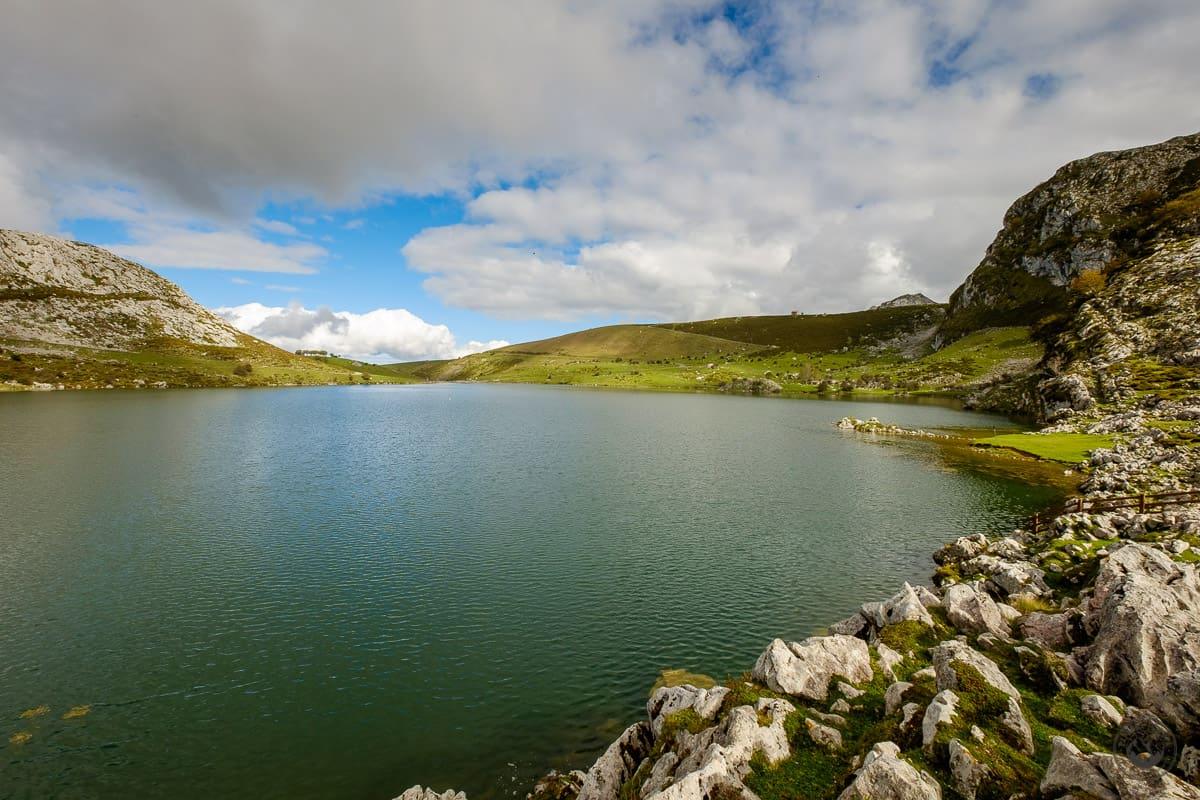 Los Lagos de Covadonga: Lago de Enol