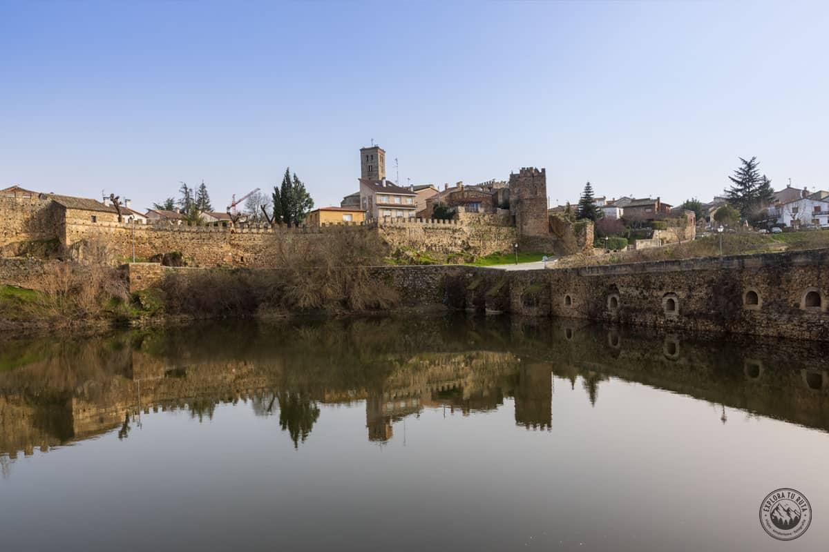 EL histórico Buitrago de Lozoya representa el final de la ruta por el Valle del Lozoya